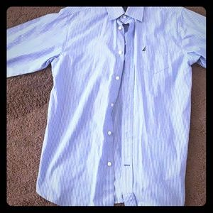 BLUE AND WHITE STRIPPED NAUTICA BUTTON DOWN SHIRT